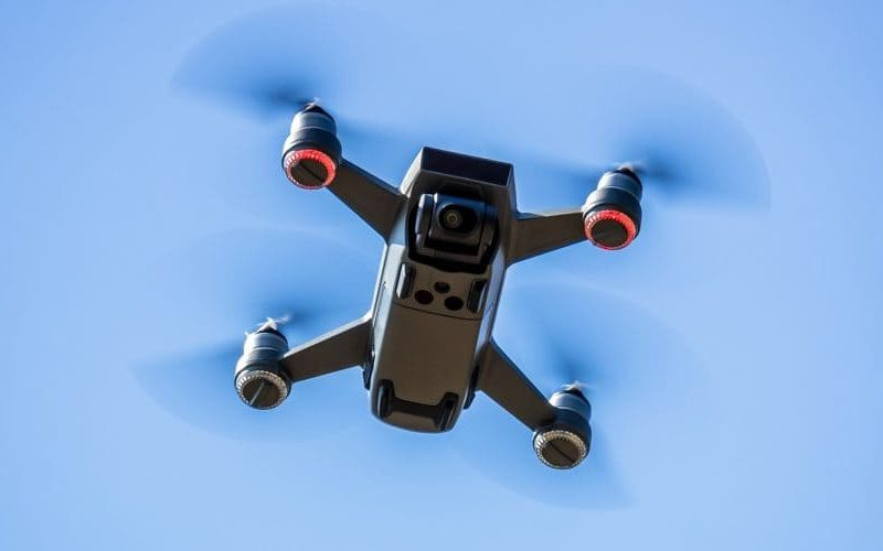 drone en train de voler