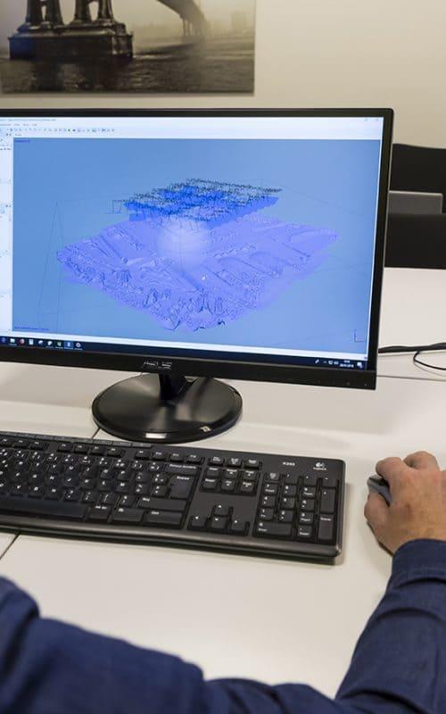 modélisation 3D sur ordinateur d'un stagiaire